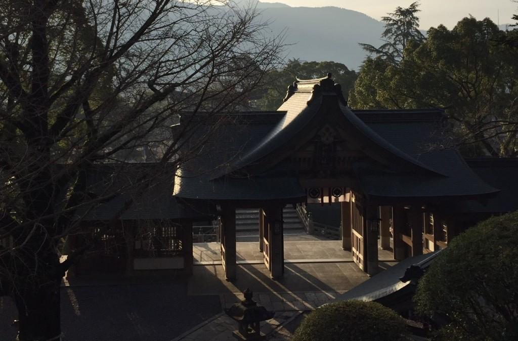 和霊神社山門
